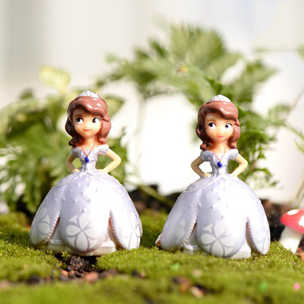 2pcs Fairy Tale mini Princess angel Figures Moss Gnome Resin craft Miniature Garden Terrarium Jardin Decorative Micro landschaft(China (Mainland))