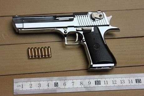 1: 2.05 Desert Eagle pistol model,full metal guns toy, pistol gun model,free shipping(China (Mainland))
