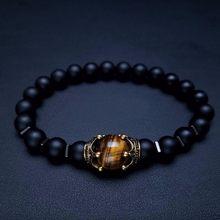 Pulsera de encanto para hombres de moda de lujo corona antigua de alta calidad Ojo de Tigre piedra pulseras de cuentas joyería macho Pulseira bileklik(China)