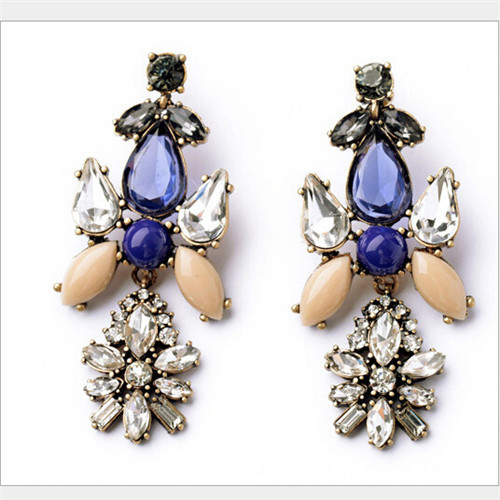 Fashion restoring ancient ways the new luxury temperament is delicate and lovely joker lady earrings(China (Mainland))