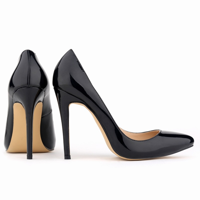 Model Whenever I Tell Someone I Am Going To &quotWine Women &amp Shoes&quot I Get An Array  Ive Got This Crazy Idea About Pairing Wine And Shoes,&quot She Explains &quotKristin Immediately Began Riffing On Pairings The Classic Black Pump Goes With A Classic