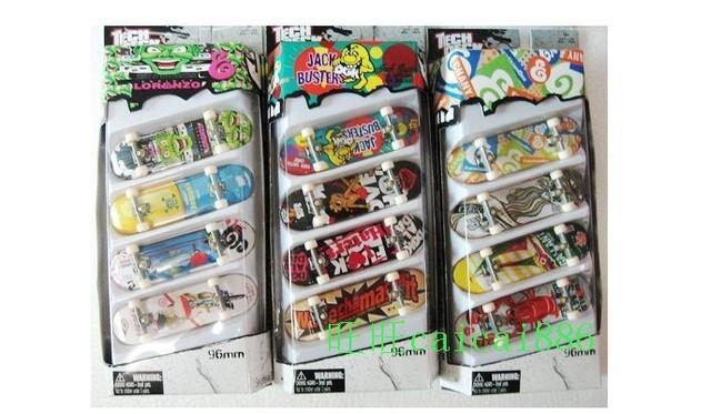 kid Littlest Pet Shop anime figure PVC Action Toy Figures LPS Animasl Loose Figures Collection toy 10pcs/set   skateboard