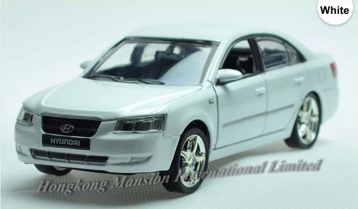 1:32 Scale Alloy Metal Diecast Car Model For Hyundai Sonata Collection Model Pull Back Toys Car With Sound&Light(China (Mainland))