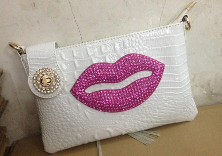 New han edition fashion sexy red lip gloss paint one shoulder oblique cross drill hand bag dinner bag handbag Small commander(China (Mainland))