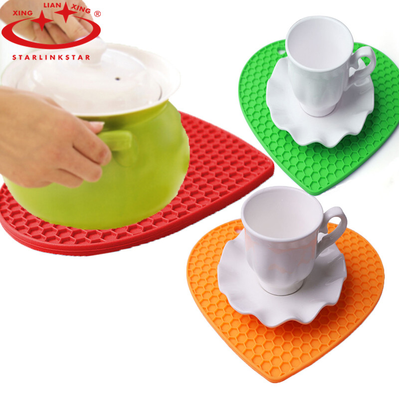 1Pcs Heart Honeycomb Silicone Mat Fruit Non-slip Heat Resistant Pad Mat Coffee Cup Coaster Cushion Placemat Pot Holder(China (Mainland))