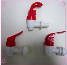 Год и конкурентоспособная вода пластик полипропилен затычка пластик затычка с современный дизайнер в китай вода кран затычка