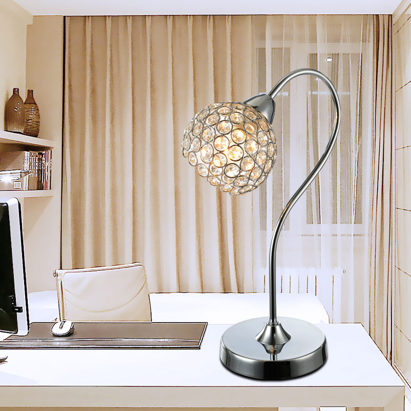 New modern minimalist fashion personality LED crystal table lamp European style bedside lamp Bedroom sitting room table fixture<br><br>Aliexpress