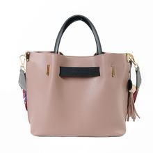 2017 lady new child buckets bag autumn and winter fashion hit color shoulder bag ladies handbag to send cute pendant bag totes(China (Mainland))