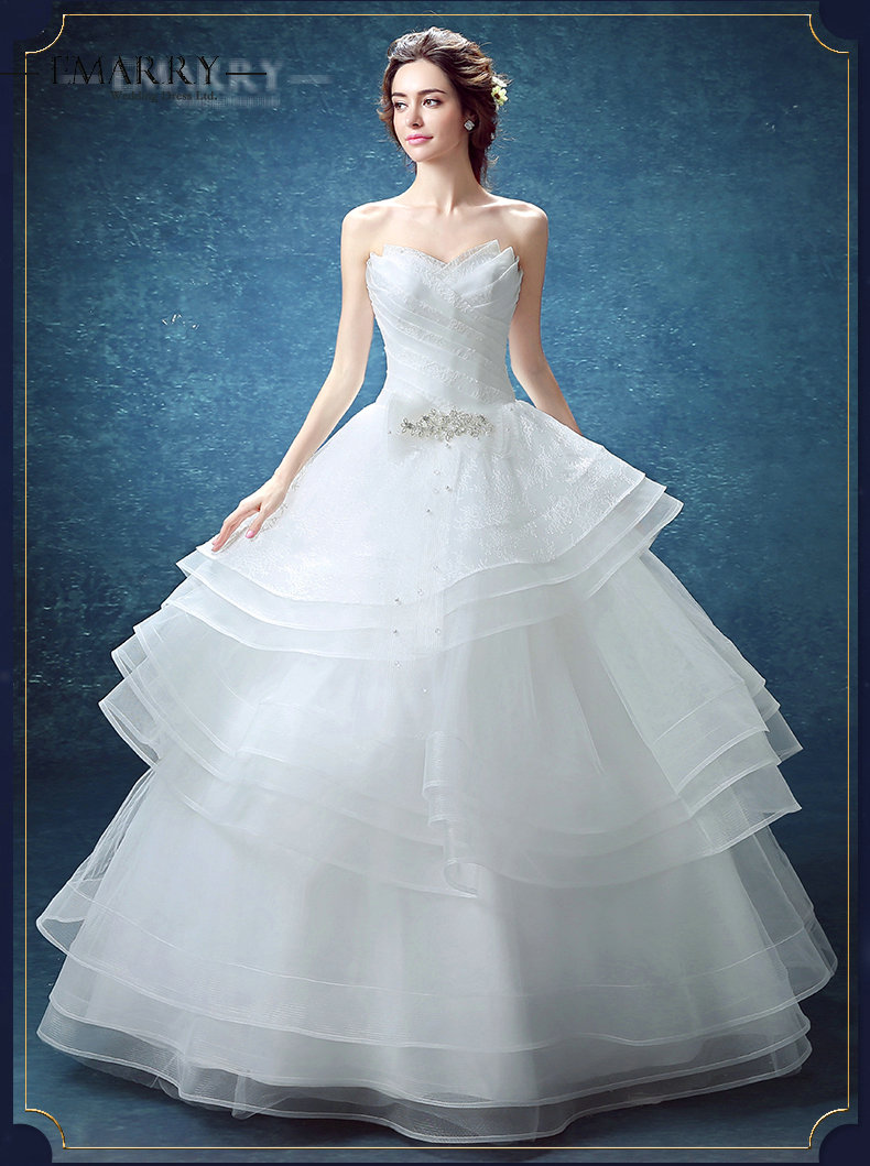 Ball gown wedding dress no train ivo hoogveld for Wedding dress no train