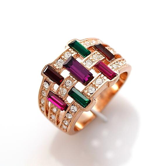 кольцо с бриллиантом итальянских дизайнеров горячие