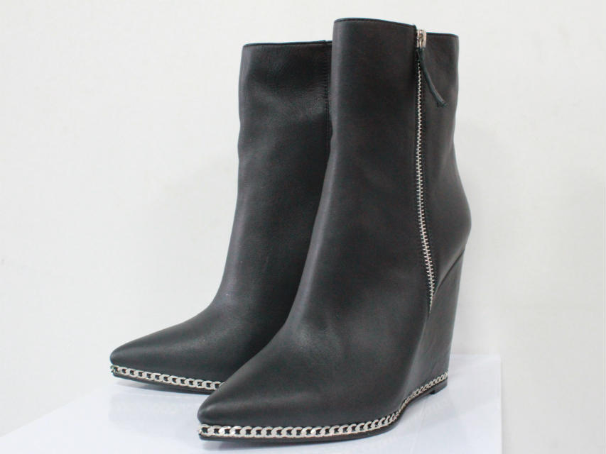 Здесь можно купить  2016 New Booties Wedged Boots Height Increasing Limited Edition Women Boots Motorcycle Ankle Booties Chain Designer Sheos Woman 2016 New Booties Wedged Boots Height Increasing Limited Edition Women Boots Motorcycle Ankle Booties Chain Designer Sheos Woman Обувь