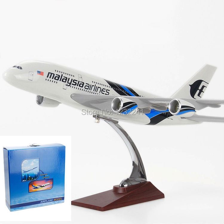 Free Shipping 100% New 45cm Malaysia Airlines A380 Airbus Series Aircraft Model Airplane Toys Gift for Children(China (Mainland))