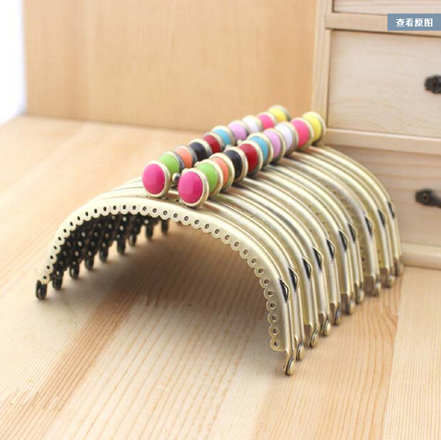 10PCS 12.5CM Bronze Smooth Purse Frame Candy Color Flat Bead Kiss Clasp Coin Purse Metal Frames Cluth DIY Sewing Bag Accessories(China (Mainland))
