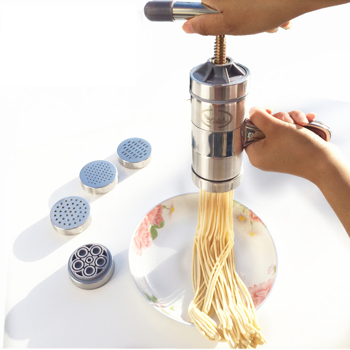 Stainless Steel Pasta Noodle Maker Machine Cutter For Fresh Spaghetti Kitchen Pastry Noddle Making Tools Vegetable Fruit Juicer(China (Mainland))