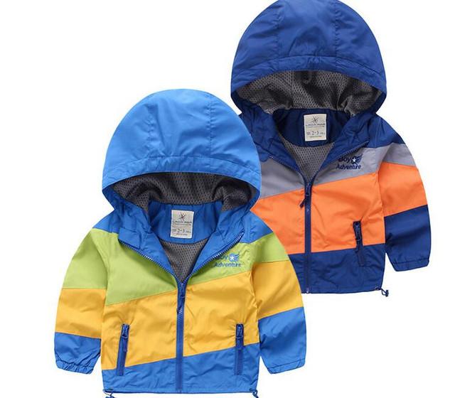 43534549 Розничная 2016 Новая Осень Baby Boy Куртка Лоскутное С Капюшоном Мода Мальчик Пальто Полосатый Молния Мальчик Верхняя Одежда Детская Одежда