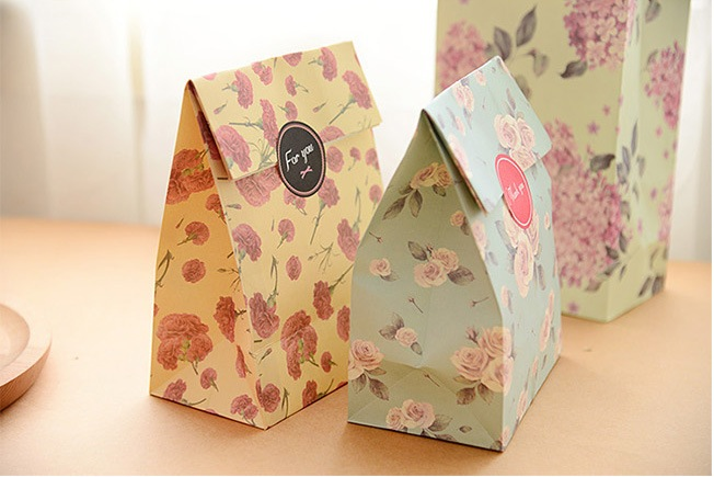 Cute Fresh Flower printing paper bags Gift Bags,Kraft paper bag,Party, Lolly,Favour, Wedding, Packaging 24pcs/lot 13x23cm(China (Mainland))