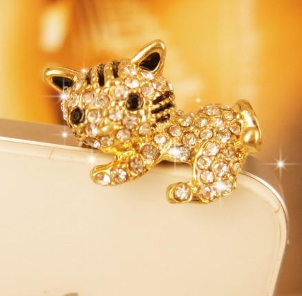 min order 15usd Lovely cat lies prone Hello Kitty dust plug(China (Mainland))