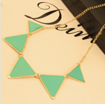 Free shipping $10 2015 New Fashion Punk Pink Green Blue Oil Triangle Multicolour Necklace Jewelry N085 24g(China (Mainland))