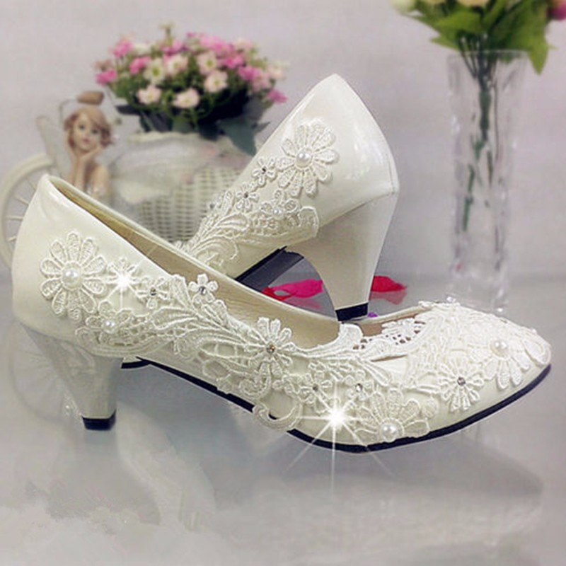 New Lace Bead Crystal Wedding Shoes White Rhinestones Bridesmaids Ivory Womens Bridal Heel Sexy Pumps Low Heel Women Shoes(China (Mainland))