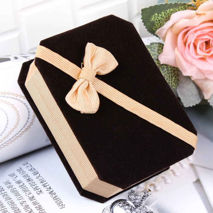 Beautiful Square Gift Boxes For Necklaces Gold Fabric Bowknot Sweet Jewelry Pendant Box Gift Package for Gifts factory promotion(China (Mainland))