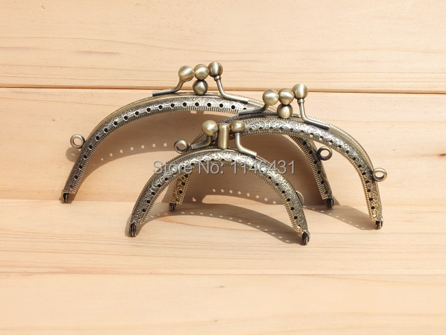 21pcs/lot 8.5/11/13.5cm coin purse metal frame 3 folded embossed clutch purse frames handles for handbags kiss lock clasp S0064(China (Mainland))