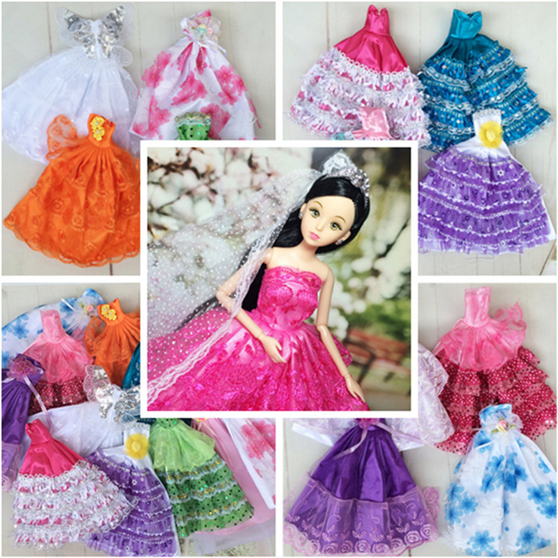 Random Choose 15 Objects = 5 Marriage ceremony Gown Princess Robe + 5 Pairs Sneakers + 5 Pink Hangers Garments For Barbie Doll Present Child Toy