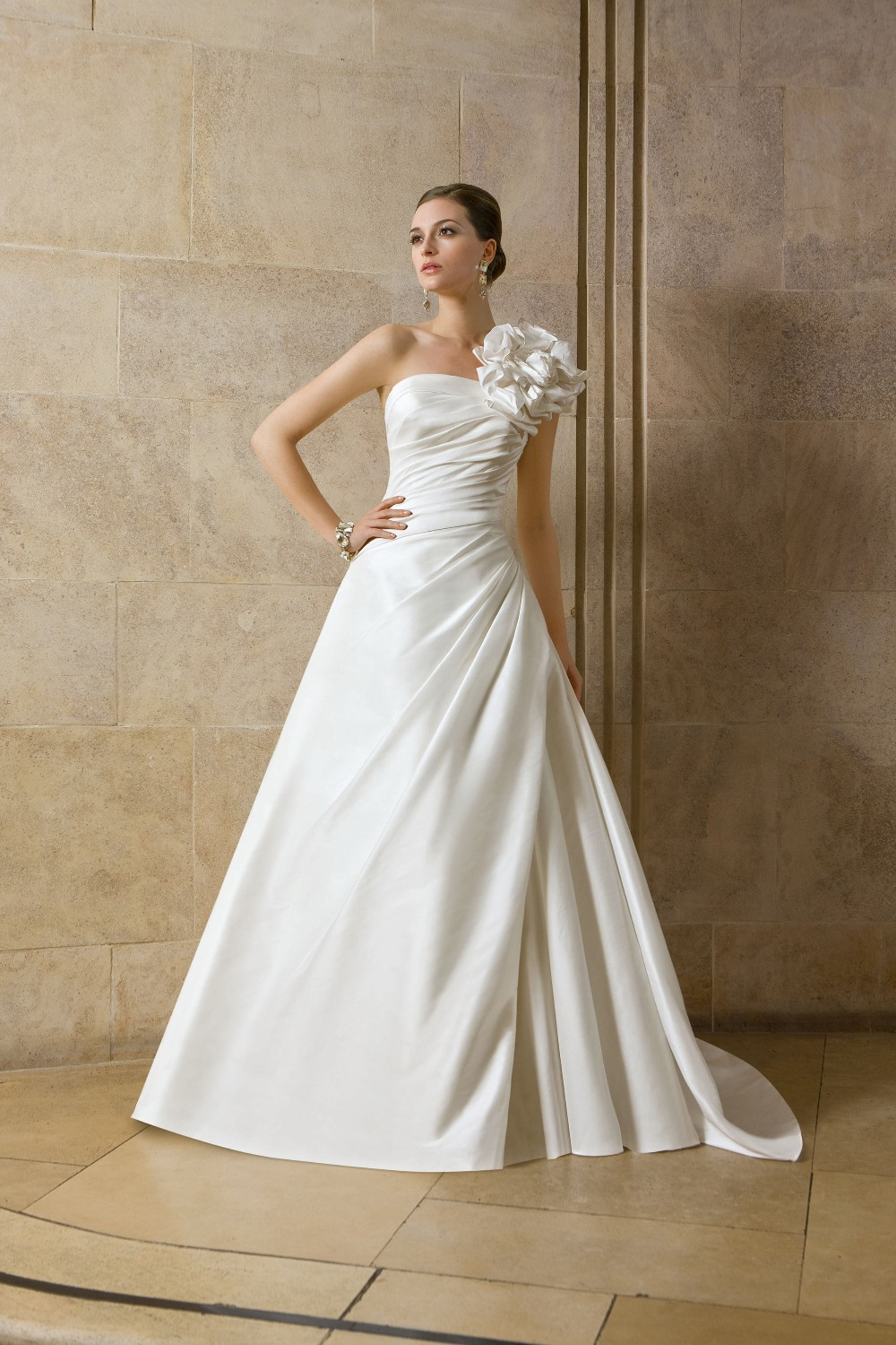 Elegant white simple long ball gown spring wedding dresses for Wedding dresses to buy off the rack