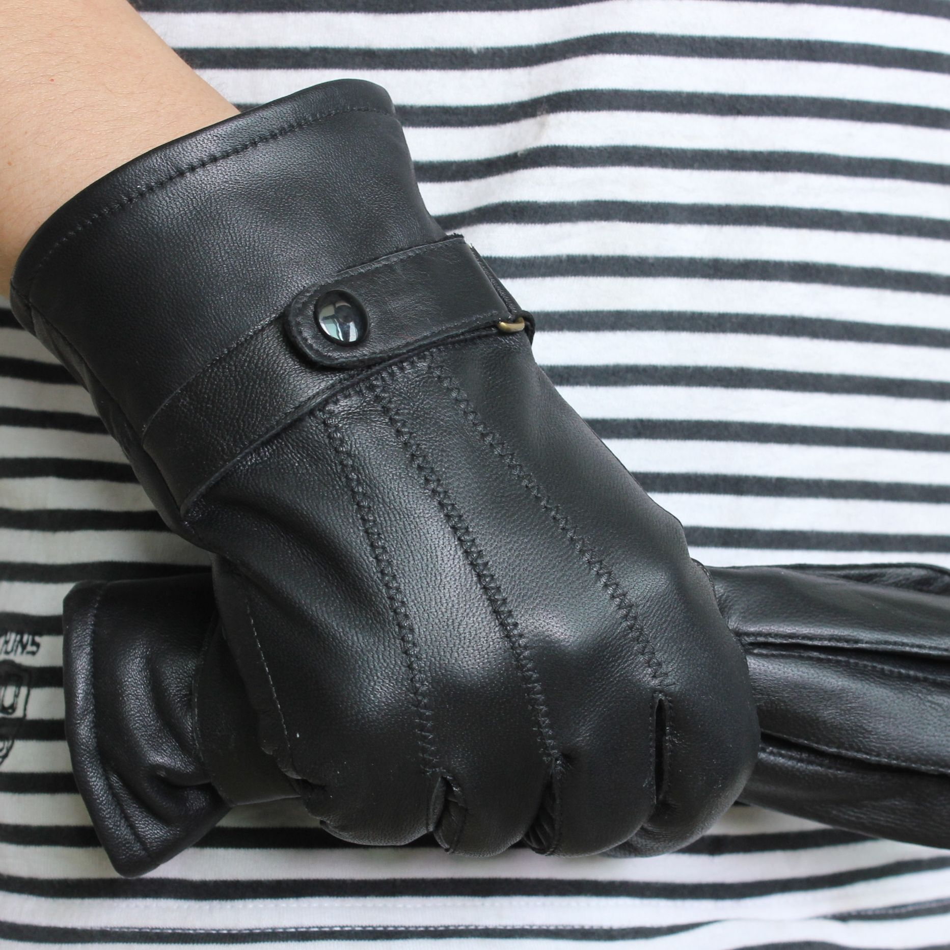 Leather gloves male sheepskin genuine leather gloves casual 2012 hot-selling(China (Mainland))