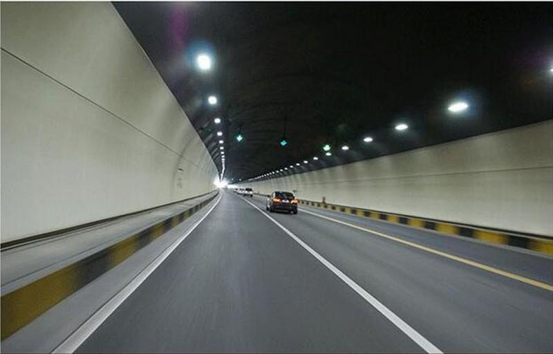 Купить НОВОЕ ПОСТУПЛЕНИЕ Кри XPG Ультратонких LED tunnel light 240 Вт белый/теплый белый IP65 85-265 В Означает хорошо Водонепроницаемый Свет Лампы Прожектор