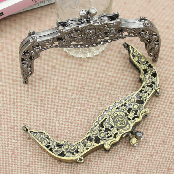 Wholesale Size 16.5*10 cm with Vintage carved rose Antique Brass color of purse frame who like DIY bags need metal purse handle(China (Mainland))
