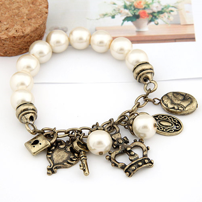 2015 New Arrival fashion Vintage pearl bracelets & bangles For Women Crown Charm pulseira bijoux pulseras Women Accessories(China (Mainland))