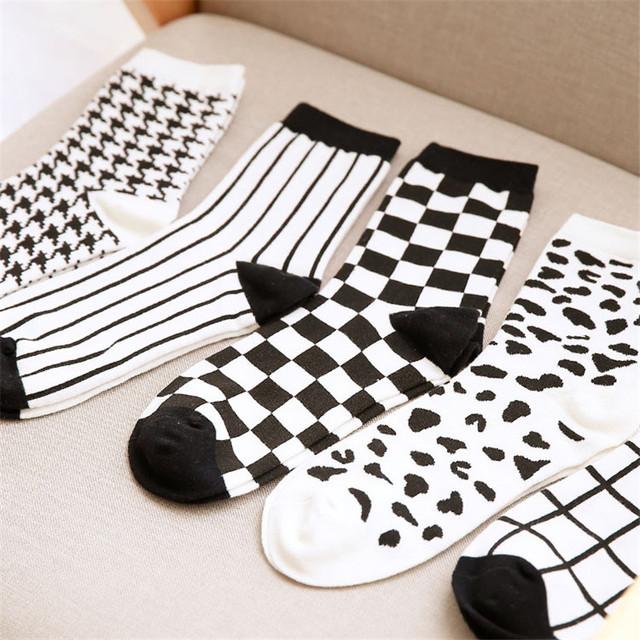Японский Harajuku мужская белый и черный клетчатые носки новинка мужчины полосы сетки трубки носок зима осень мужчины 100 хлопок носки