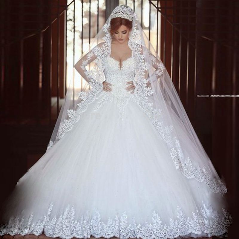 Luxury vintage long sleeves lace wedding dress 2016 ball for Long veils for wedding dresses