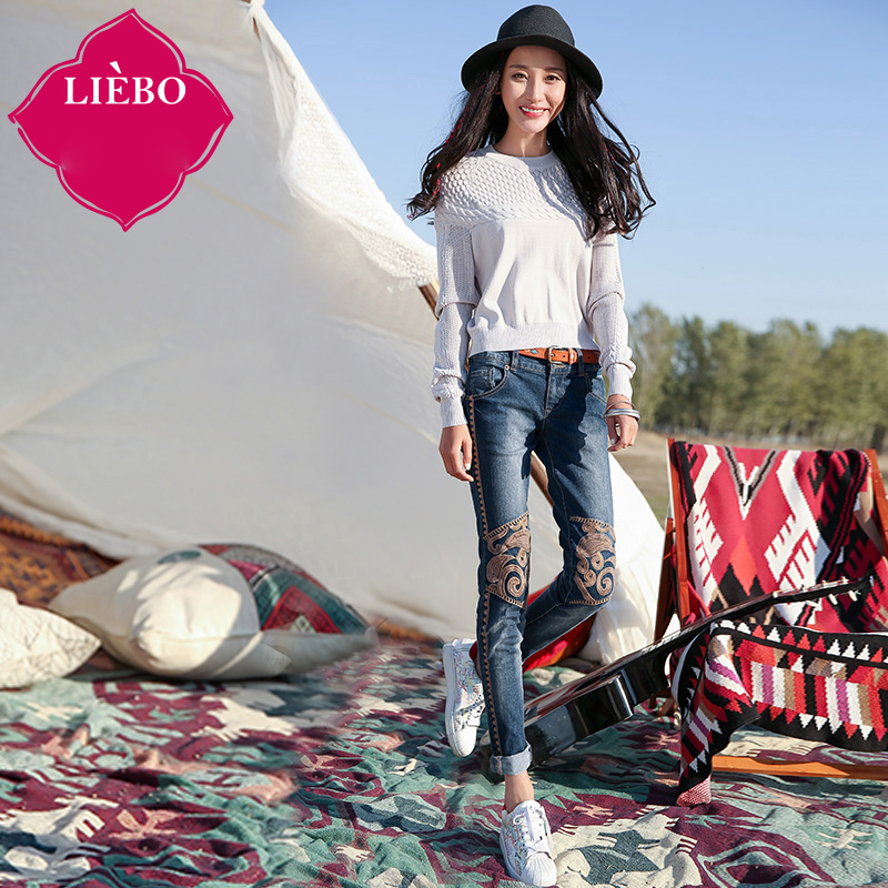 LIEBO 2016 Spring New Arrival Designed Embroidery Jeans Pants Women Slim Type Mid Waist Two Button Zipper Breathable 51152027Одежда и ак�е��уары<br><br><br>Aliexpress