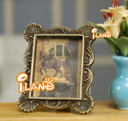 iland Framed Picture Carved metal Frame Portrait 1:12 Dollhouse OM020