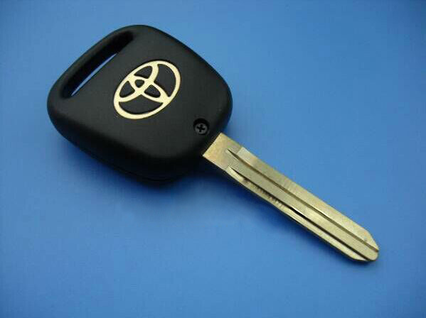 High Quality Car Key Shell Replacement Toyota Remote Key Blank Case With A Hole On The Side Free Shipping(China (Mainland))
