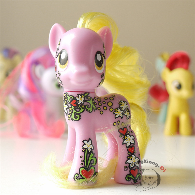 MLP 8cm Friendship Is Magic Blossom Collection Blond hair Purple Horse Exclusive Poni Figure(China (Mainland))