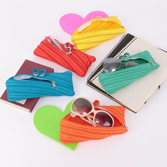 2015 may be subject to three-dimensional multi-purpose creative zipper pencil bag cartoon school stationery storage items(China (Mainland))