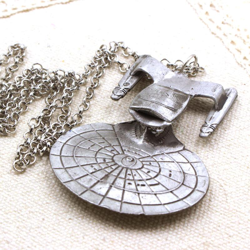 Free Shipping Hot Movie Star Trek Enterprise Model pendant Spacecraft Necklace Metal Alloy Pendant Necklace For Men Accessories(China (Mainland))