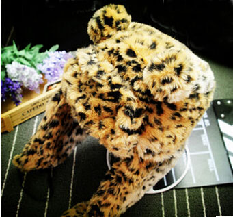 Fashion hats for women with unique leopard design that is very warm and soft which hat is in hot sale(China (Mainland))
