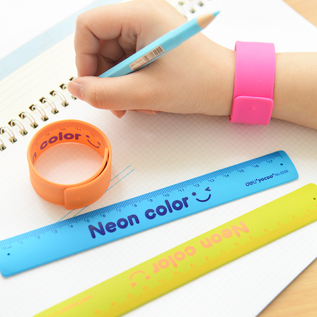 (4 Pieces/Lot) New Plastic Folding Type Colored Slap Bracelet Ruler School Student Drafting Supply Drawing Ruler Straight Ruler(China (Mainland))