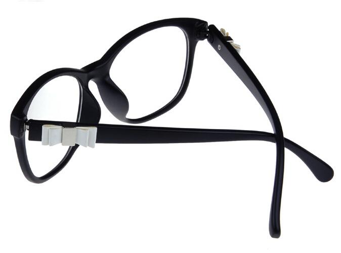 Butterfly Frame Eyeglasses | ISEFAC Alternance