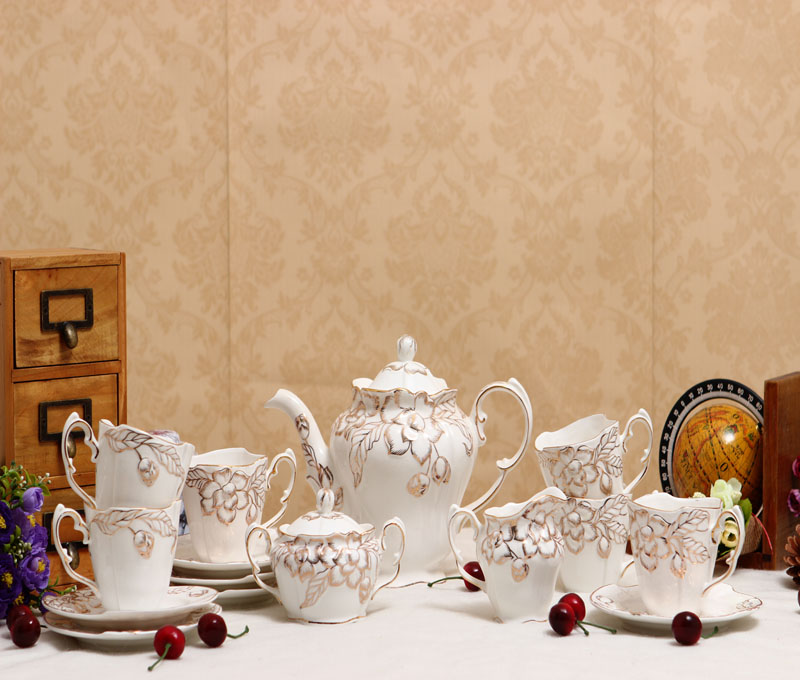 28 pieces luxurious European style coffee cup set with flat dinner plate coffee tea cup kit