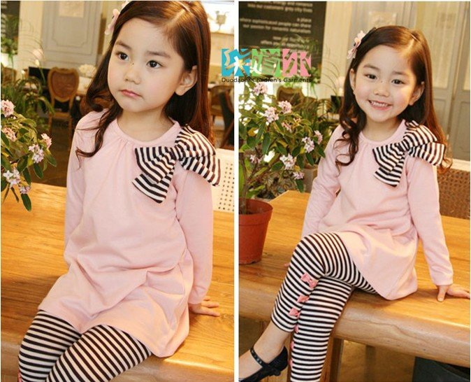 2012 Autumn outfit new girls bowknot stripe suit Kids baby flowers suits pink navy blue color