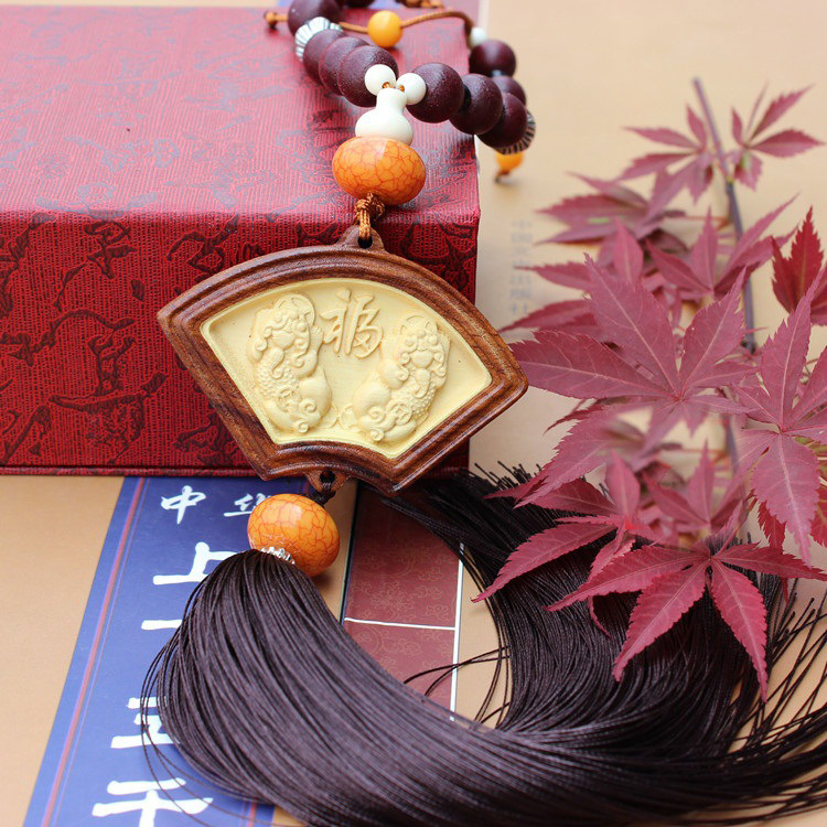 Free Shipping Car Pendant Auto Supplies Woodcarving Carving Rosewood & Boxwood sector PIXIU Mirror Decoration Car Styling 2Pcs(China (Mainland))
