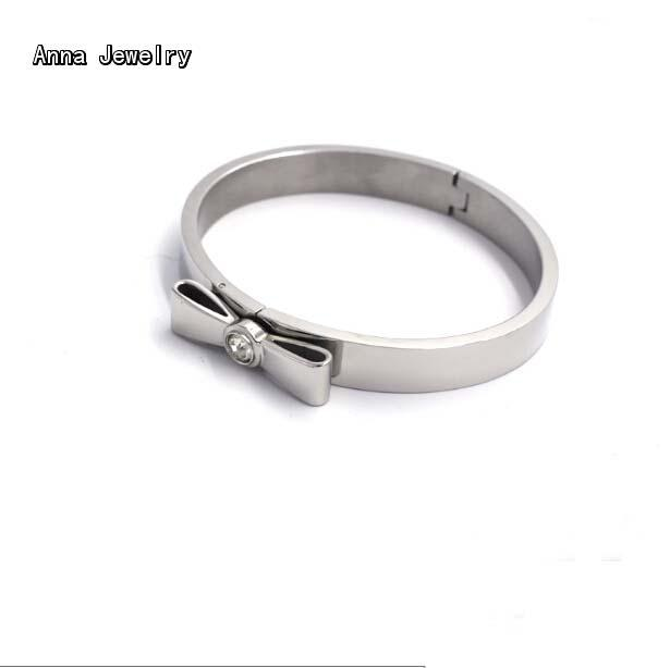 New Elegant Designer Bow Bracelet,18K White Gold Plated Material with Bow Charm,Clear Stone Setting.Women Favorite Cuff Bracelet(China (Mainland))