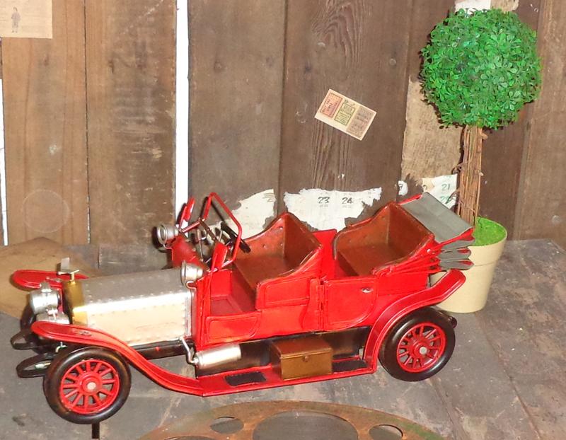 Vintage classic car model metal ornaments creative window