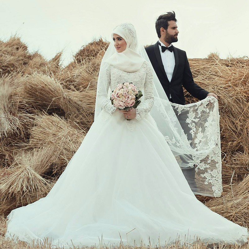 Romantic long sleeve wedding dress high neck applique lace for Dresses for muslim wedding