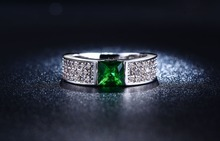 S925 sterling silver Jewelry wedding rings For Women fashion Bijoux Ruby Emerald Green gem CZ Diamond