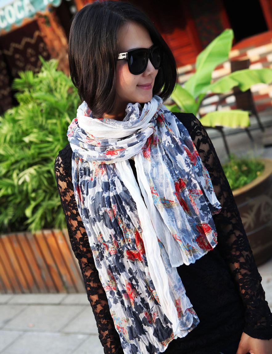 2014 Blasting model sell like hot cakes Winter with new voile crushed printed scarf Spot scarf free shipping 2468(China (Mainland))